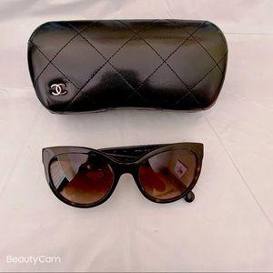 Chanel cat eye sunglasses. Like new.